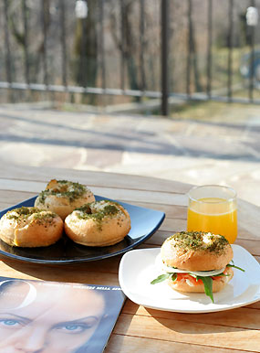 bagel_breakfast