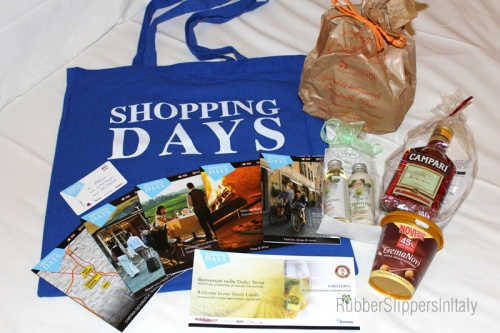 "Shopping Days ""Welcome Bag"""
