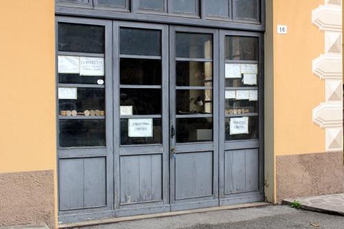 Piero Picetti's shop in via Pieve 16, Varese Ligure