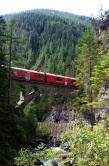 Red train over the Zügenschlucht