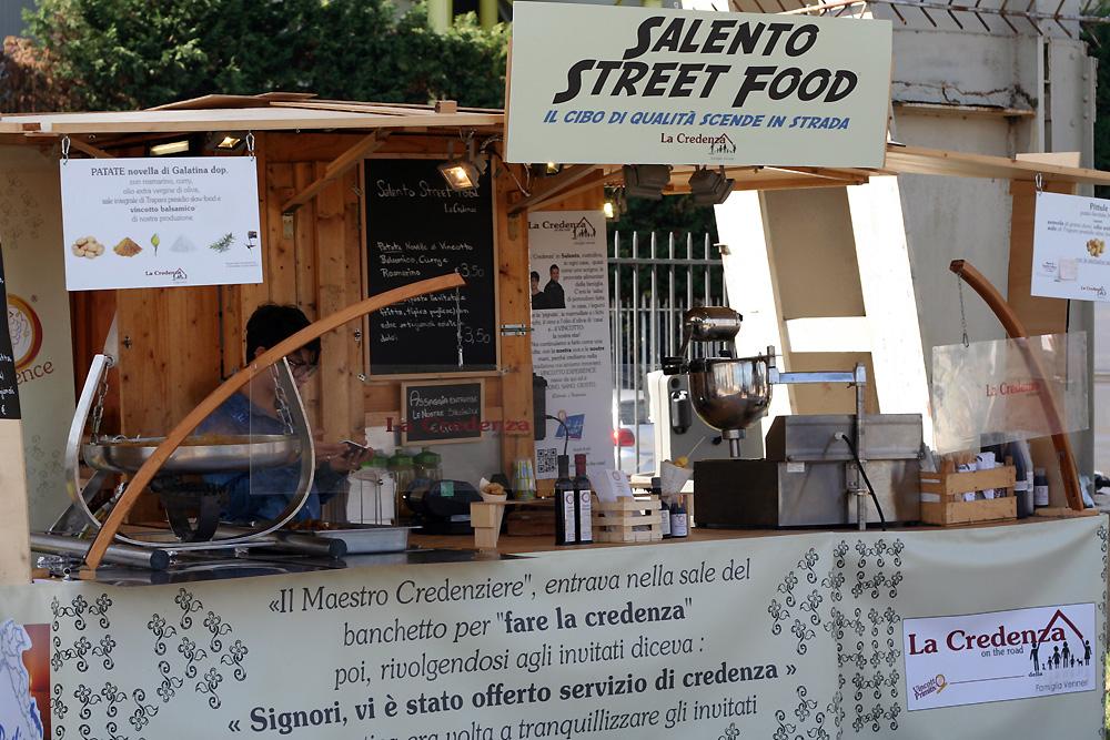 La Credenza On The Road : Florence knoll credenza studio dedece