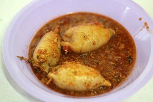Calamari ripieni in salsa
